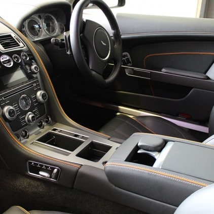 Aston Martin Virage - Interior